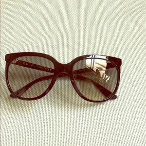 ed938484858e ... Ray Ban cat eye sunglasses Lululemon Wild Tank DITA ...